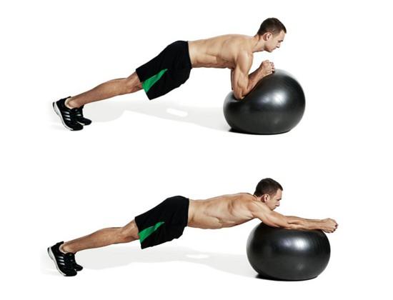Tập cơ liên sườn với bóng Gym