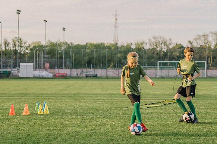 Dụng cụ bóng đá