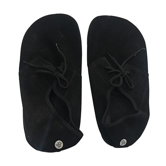 Giày đá cầu tiêu chuẩn (giày mỏ vịt) sử dụng cho đá cầu chinh