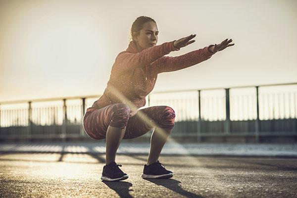 Tập Bodyweight Squat cho nữ