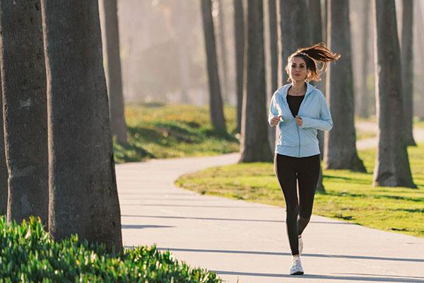 Tập hít thở khi chạy bộ