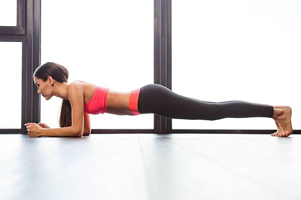 Tập Plank giảm mỡ bụng