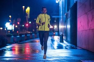 Chạy bộ buổi tối có tốt không? Cần lưu ý những gì khi chạy tối?